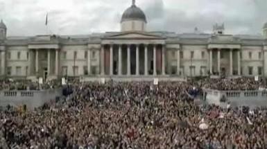 《Hey Jude 》伦敦广场万人合唱现场版