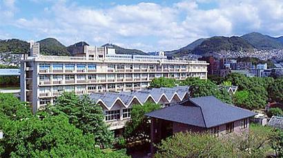 幼儿园和附属于医学部的医院