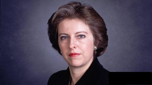 英国首相特丽莎·梅向全球华人拜...