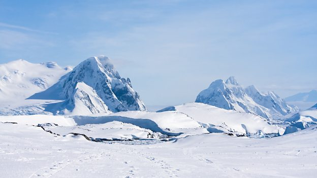 Hunt for Antarctica's 'missing meteorites'