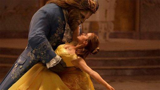 马来西亚宣布无限推迟《美女与野兽》上映时间(双语)