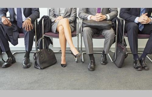 HR都是怎么看穿你的求职谎言的?(双语)
