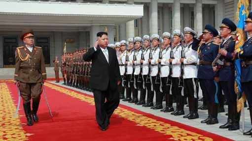 高级官员透露朝鲜将每周进行导弹实验(双语)