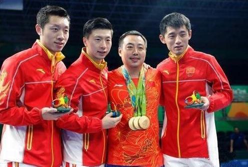 刘国梁卸任中国乒乓球队总教练 改任乒协副主席(双语)