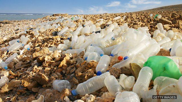Tackling the sea of plastic 应对海洋塑料污染
