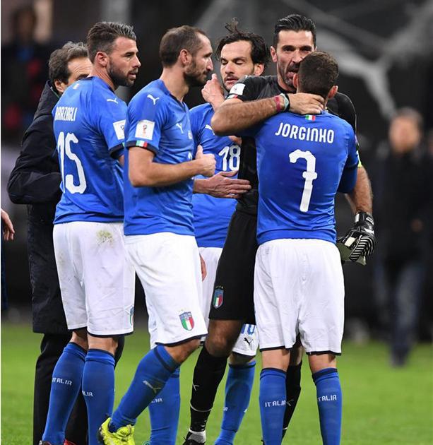 意大利足球队60年来首度无缘世界杯(双语)
