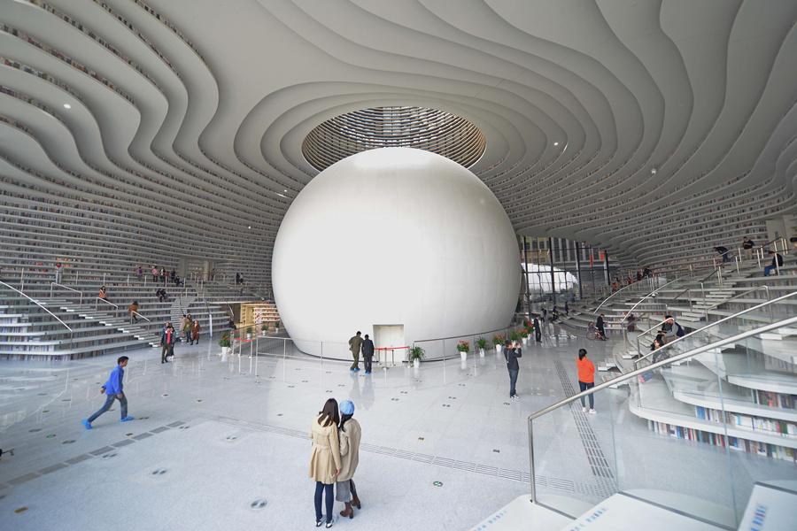 中国最美图书馆火到国外 你还不来打卡?(双语)
