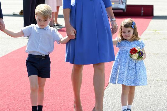 乔治小王子为哈里王子大婚充当花童