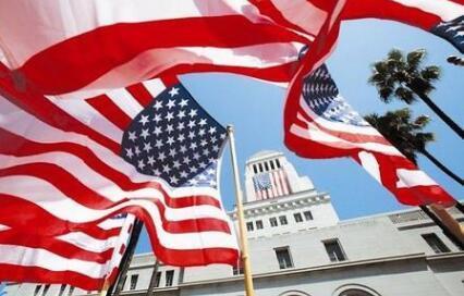 据调查近几年赴美国留学的学生比例有所下降