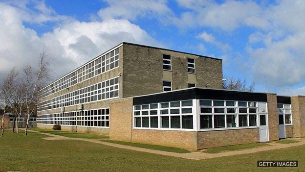 在英国想上好学校 要生对地方?