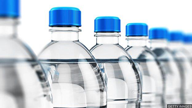 """英格兰将征饮料瓶""""税""""以促进回收利用"""