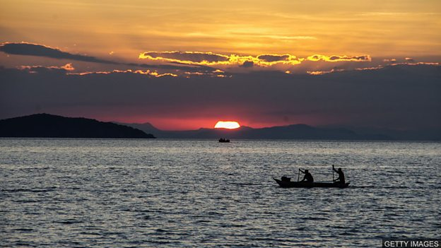 渔民担心石油开采对非洲湖泊的影响