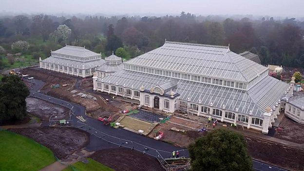 World's largest glasshouse reopens 世界上最大的温室重新开门迎客